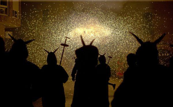 4-Cercavila-de-foc-Diables-e1491230910185